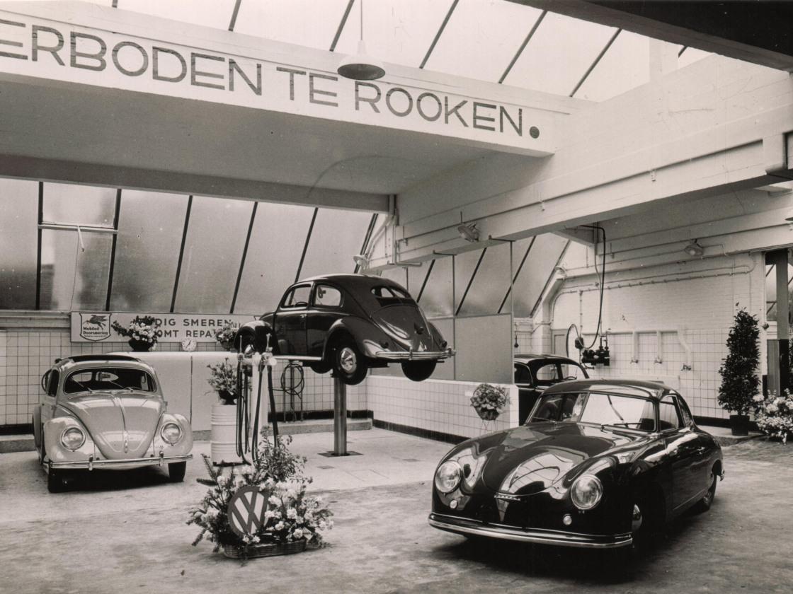 foto 05 Schuitendiep Wpl als showroom ivm opening 10-5-1952