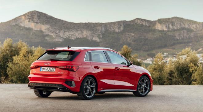 2020-Audi-A3-Sportback-4-1