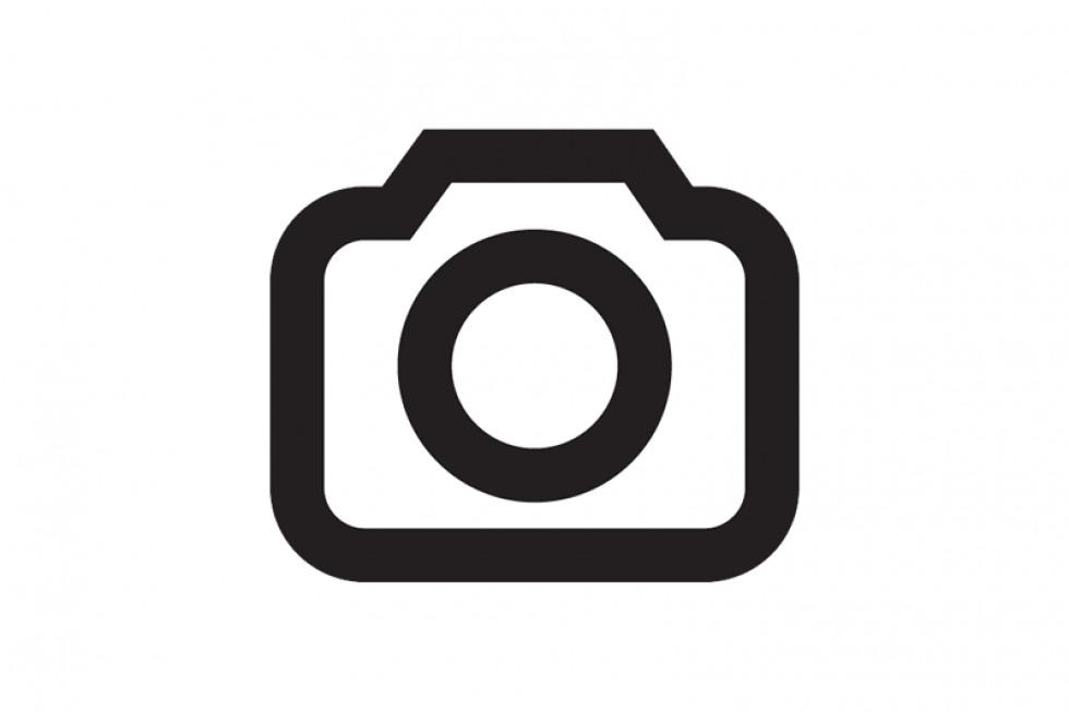 https://amvsekofyo.cloudimg.io/crop/980x653/n/https://objectstore.true.nl/webstores:century-nl/02/201908-mii-electric.jpg?v=1-0