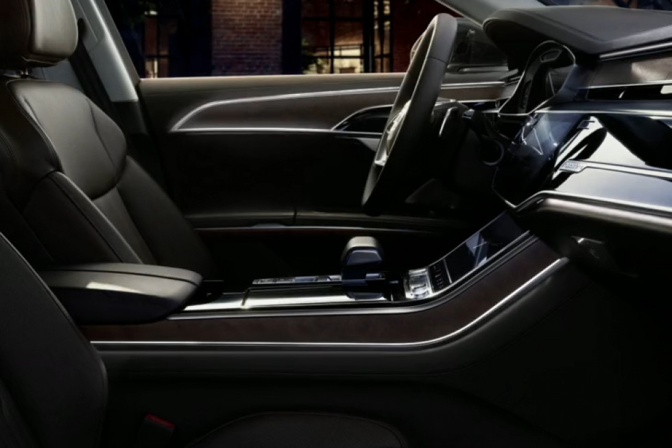 092019 Audi A8-09.jpeg