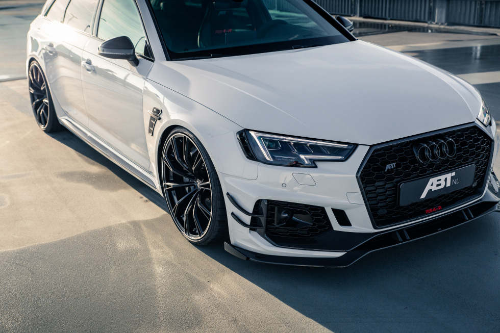 ABT RS4-R 3